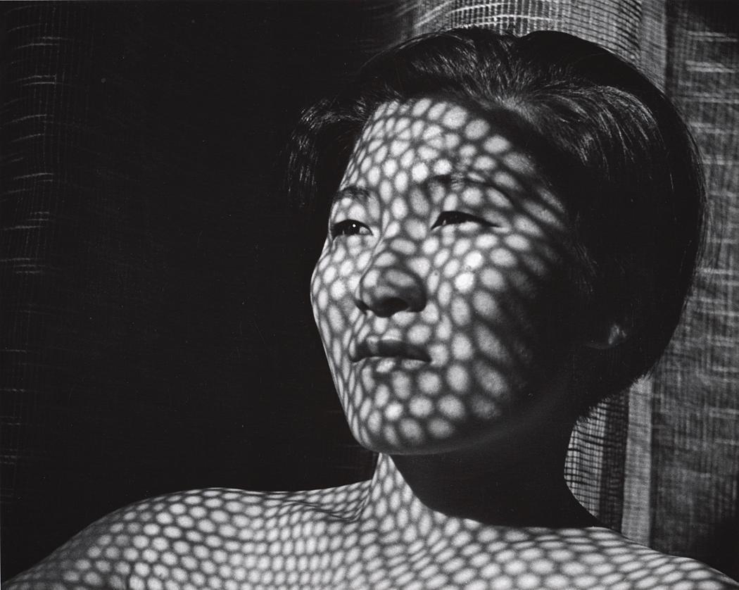 John Gutmann-Web of Light (Akiko), 1934