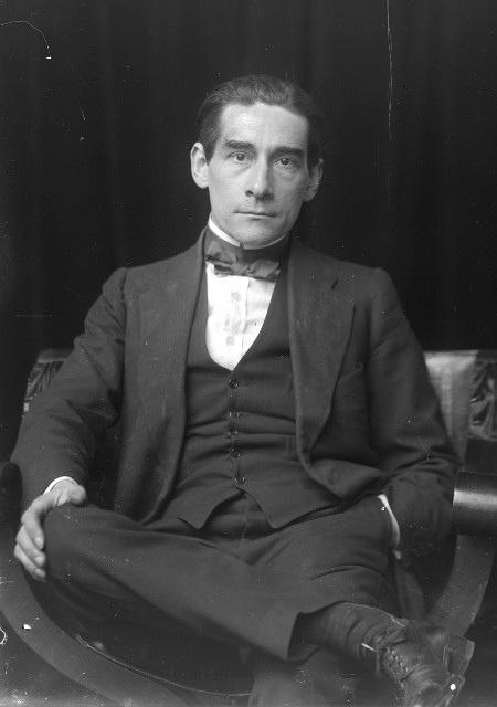 Émil Otto Hoppé- Self-portrait