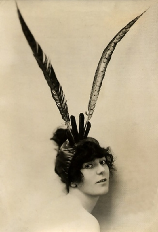 Émil Otto Hoppé-Birdie courtenay models a feathered headdress, 1918