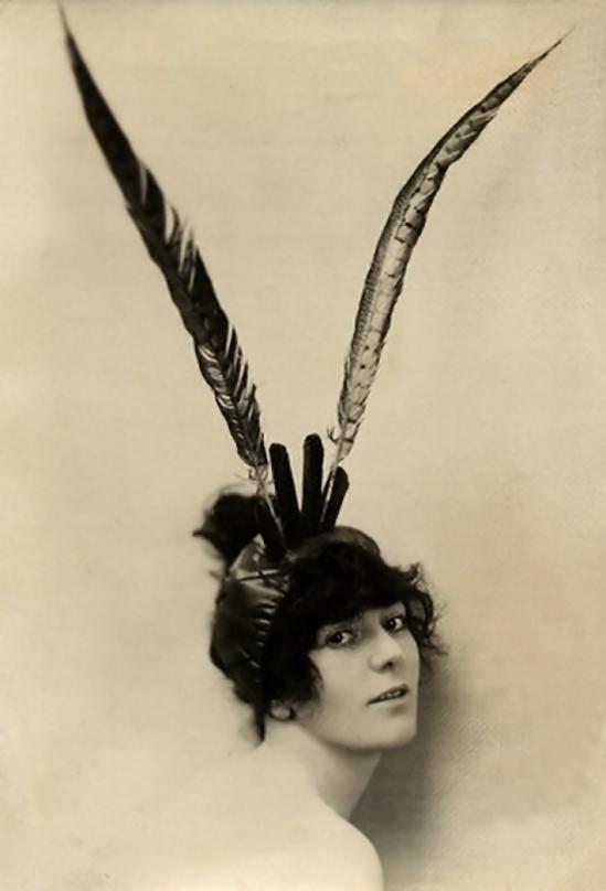 Émil Otto Hoppé-Birdie courtenay models a feathered headdress, 1918