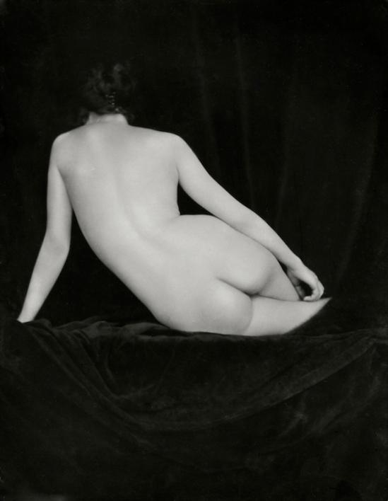 Emil Otto Hoppé –Miss Vernon, 1924