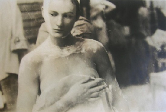 Deborah Turbeville – from serie Ecole Des Beaux Arts, 1974- 1980,  from Past Imperfect
