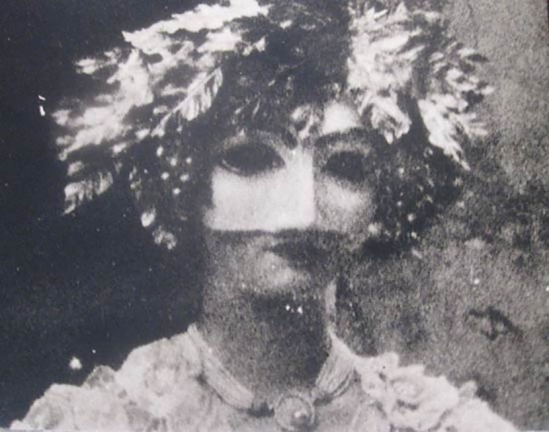 Deborah Turbeville – Mask at venice carnival,