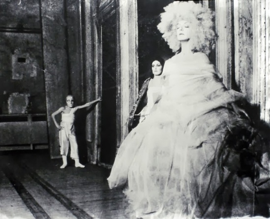 Deborah Turbeville- Unseen Versailles. Introduction by Louis Auchincloss. Doubleday & Co., Garden City, NY, 1981
