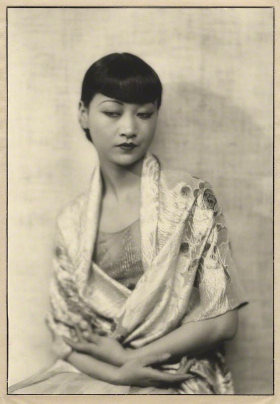 Dorothy Wilding - Anna May Wong, chlorobromide print on card mount, 1929 © William Hustler and Georgina Hustler