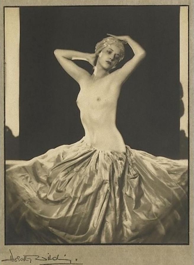 Dorothy Wilding – portrait of Rhoda Beasley, 1932