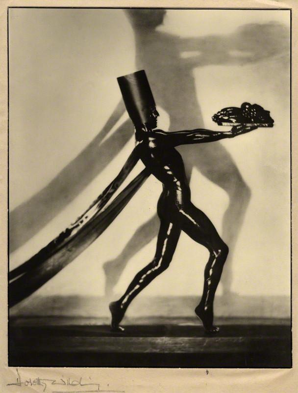 Dorothy Wilding - Jacques Cartier,chlorobromide print on tissue and card mount, 1932 © William Hustler and Georgina Hustler