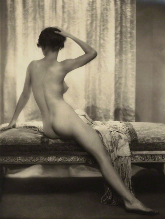 Dorothy Wilding - 'Le Matin ' (Unidentified woman) 1920 © William Hustler and Georgina Hustler