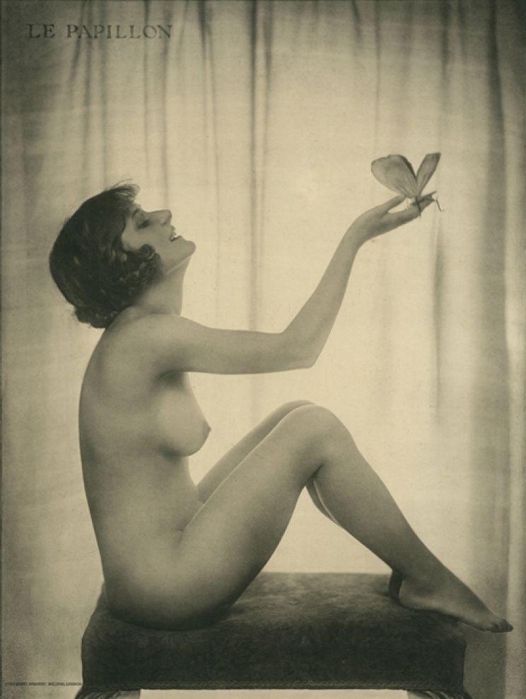 "Dorothy Wilding - ""Le Papillon ""(Unidentified woman) 1920 © William Hustler and Georgina Hustler"