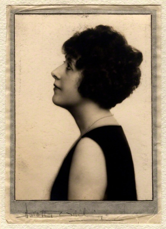Dorothy Wilding- Self portrait, 1920s© William Hustler and Georgina Hustler