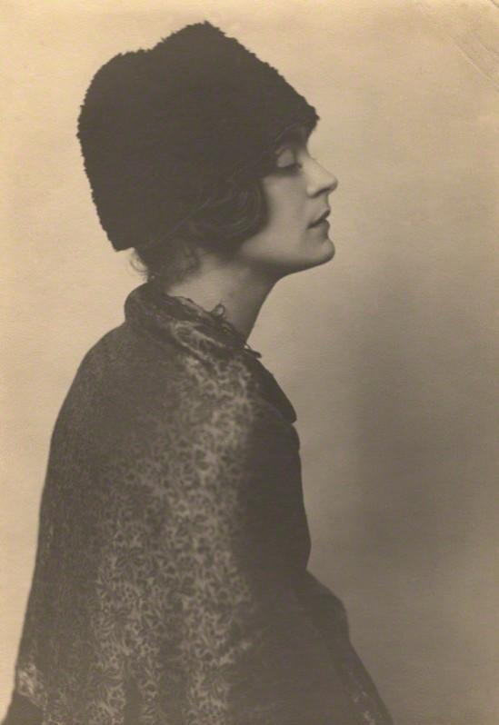 Dorothy Wilding  The Pianist Harriet Cohen, 1920 © William Hustler and Georgina Hustler