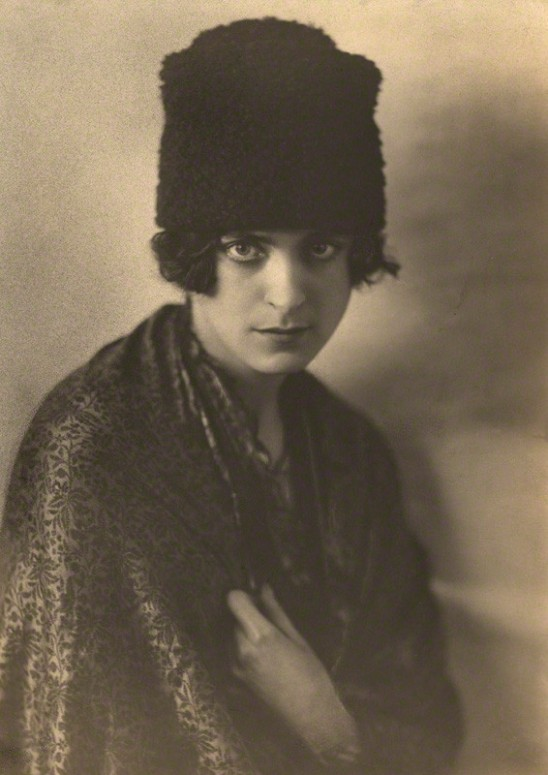 Dorothy Wilding  The Pianist Harriet Cohen, 1920 © William Hustler and Georgina Hustler