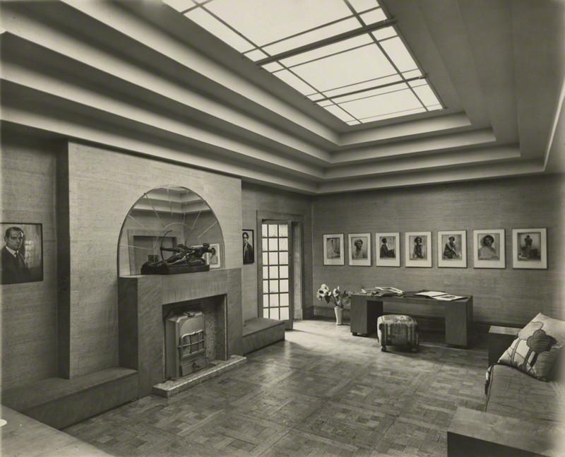 Dorothy Wilding- The studio of Dorothy Wilding 1920s © William Hustler and Georgina Hustlerd Georgina Hustler