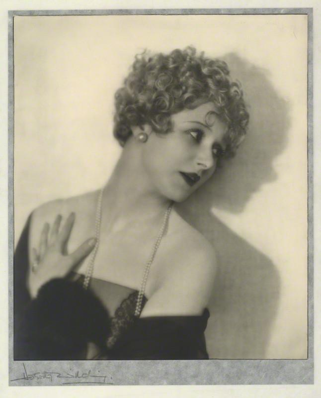 Dorothy Wilding - Isabel Jeans, 1920 © William Hustler and Georgina Hustler