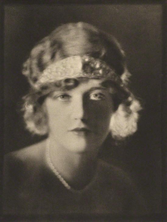 E. O. Hoppé -Marion Davies, janvier 1921 photogravure