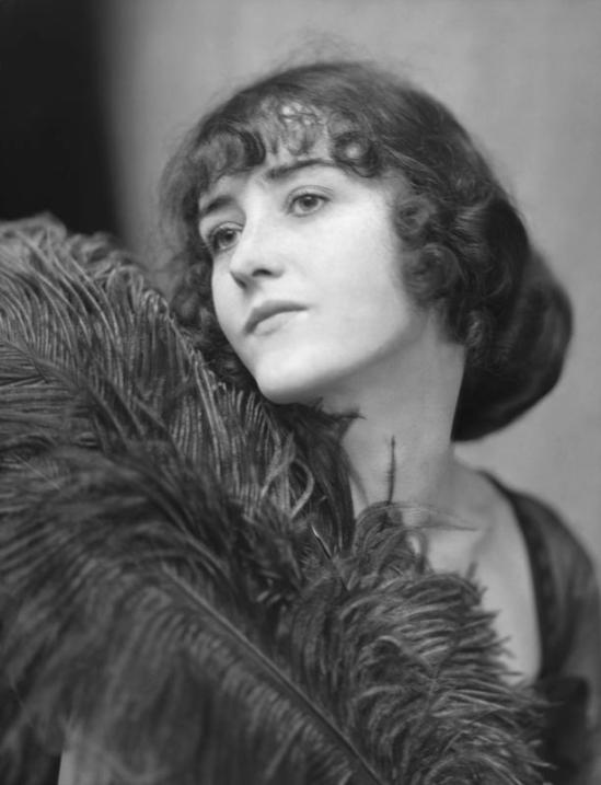 E. O. Hoppé - Mrs. Ed Kraig, England 1922
