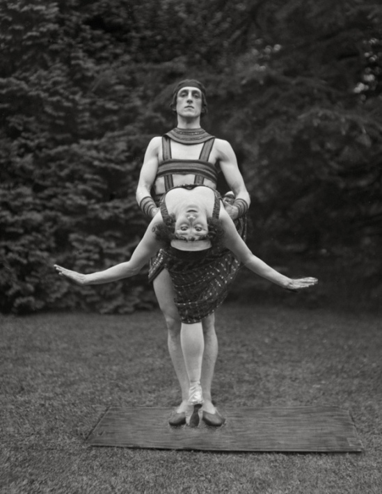 E.O.Hoppé - Anna Pavlova with Novikoff, 1923