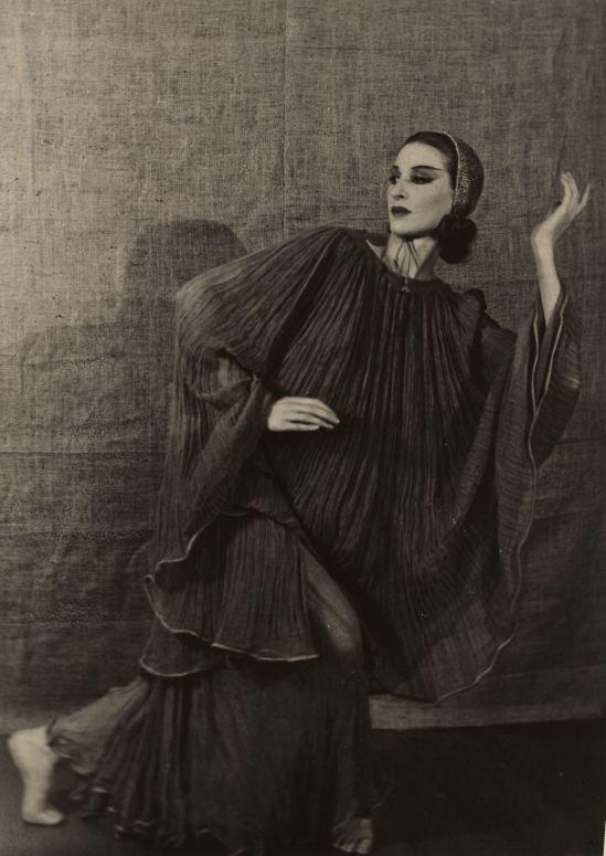 EMIL OTTO HOPPÉ (British, 1878-1972). Martha Graham, circa 1920