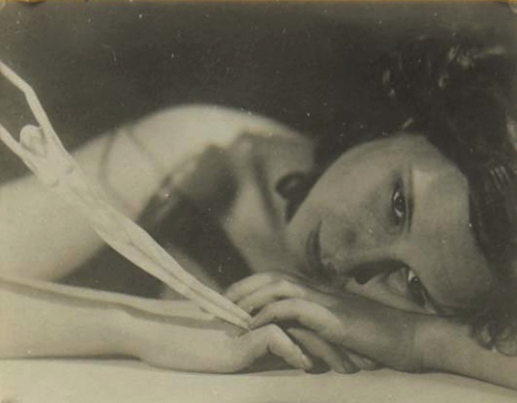 František Drtikol -Femme a la Figurine, 1930