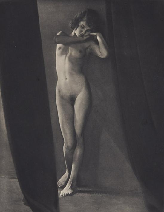 František Drtikol- Planche XXVIII, 1929