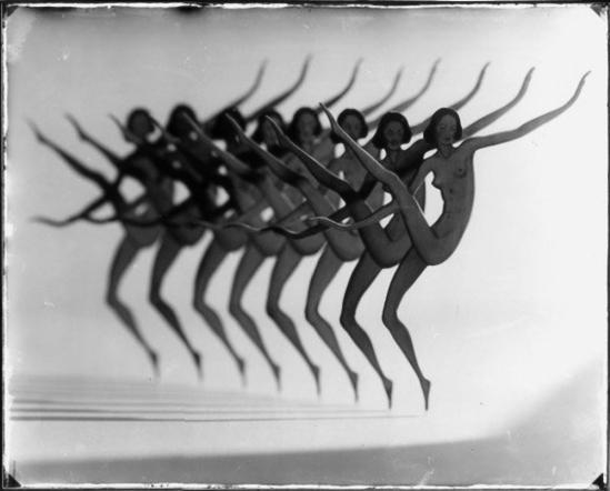 František Drtikol -Revue Girls. 1930 ( cut out [Michael Köhler -Gisela Barche (eds.) Das Aktfoto - Ästhetik, Geschichte, Ideologie. Munich 1985]