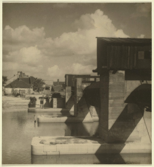 Jaromír Funke- Untitled (Bridge in Kolin), 1922