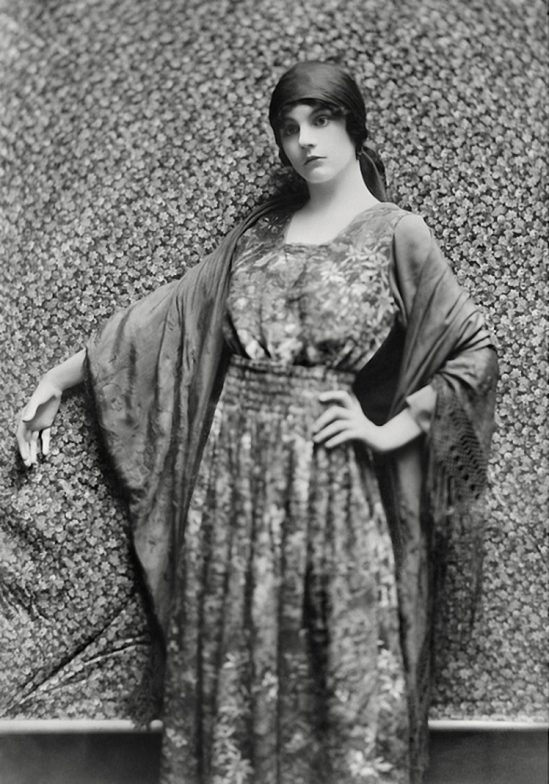 Émil Otto Hoppé –Sylvia Gough, 1916