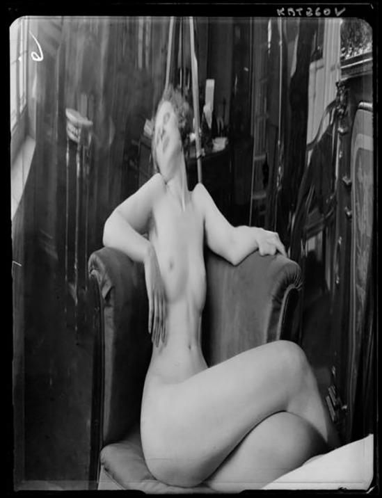 André Kertész -  Distortion #  06, 1933