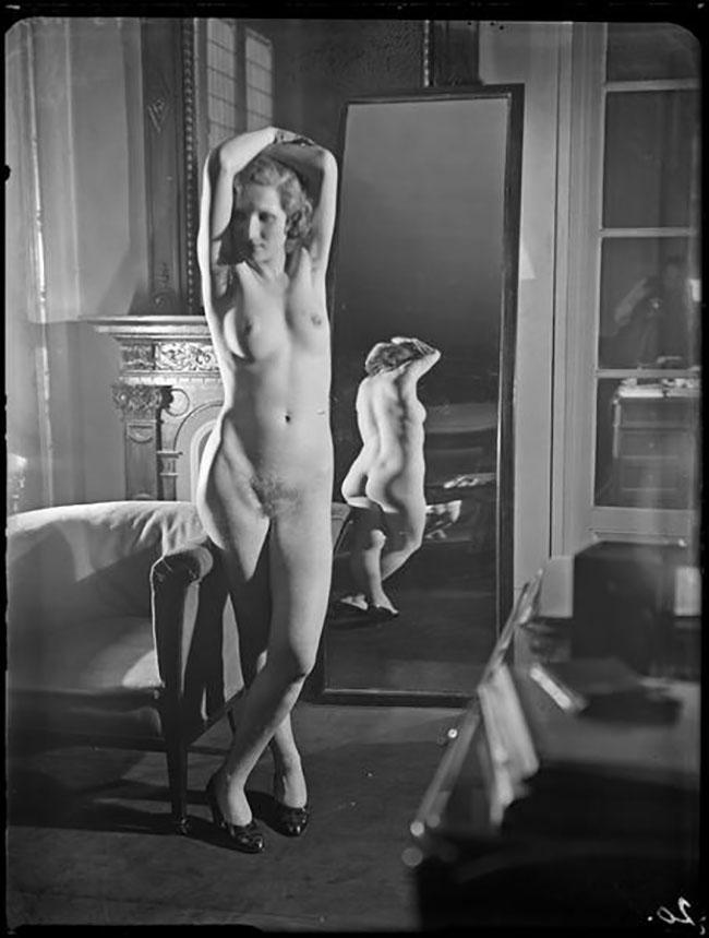 André Kertész -  Distortion #  20 , 1933