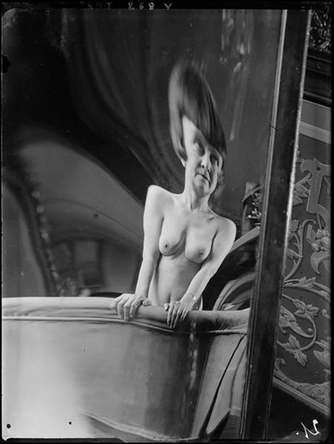 André Kertész -  Distortion #  21 , 1933