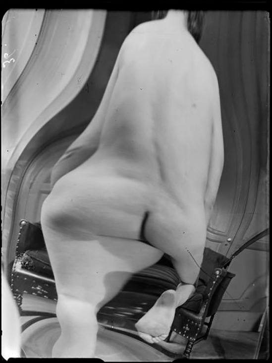 André Kertész -  Distortion #  36 , 1933