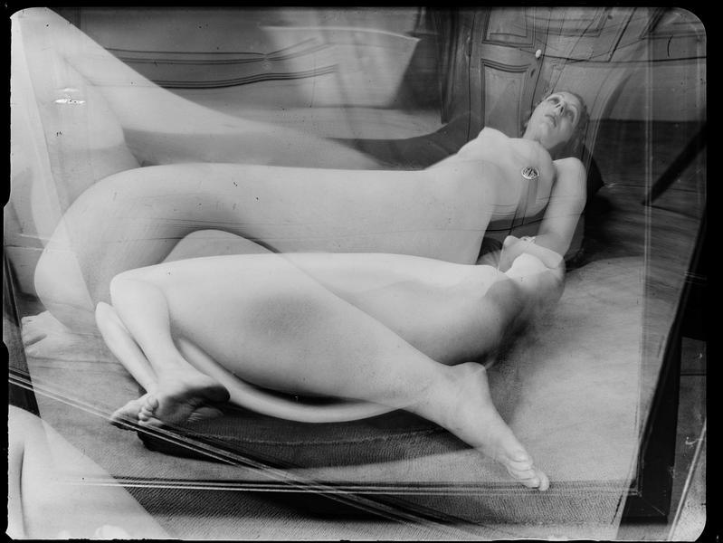 André Kertész -  Distortion #  37 , 1933