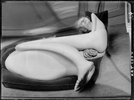 André Kertész -  Distortion #  40 Ou 43 , 1933