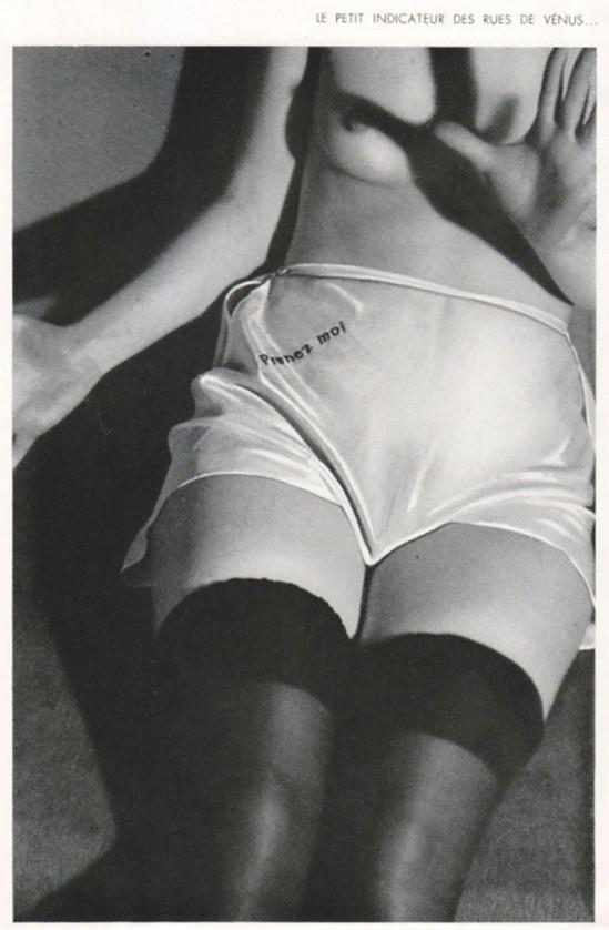 Diana Slip Lingerie dans les années 1930. Ce fut l'un des plus provocateurs de leurs annonces à cause du slogan Prenez Moi