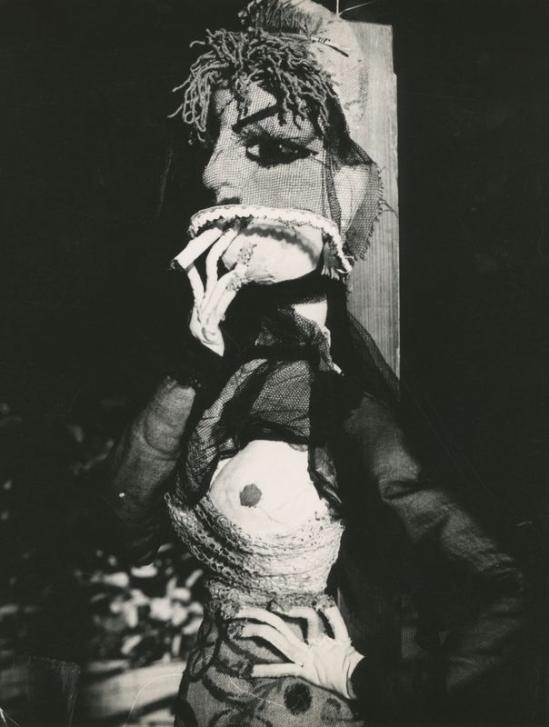 Lucien Clergue Poupée de Martha Kuhn-Weber . 1965