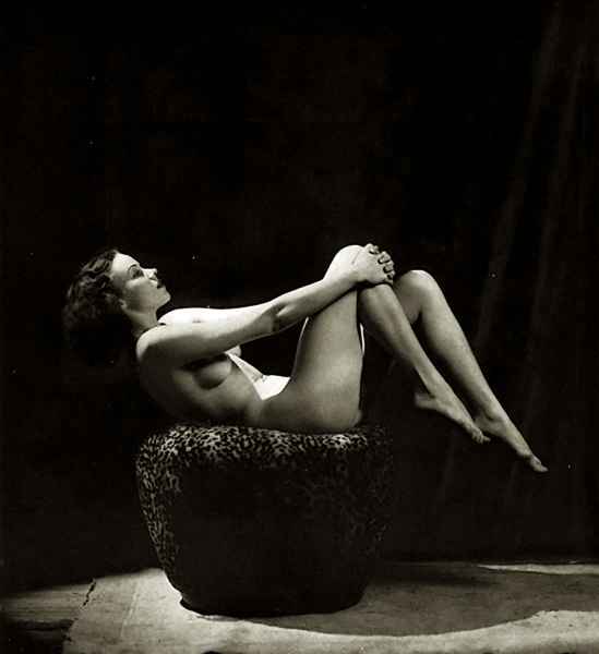 Alfred Cheney Johnston - Female nude study, 1937p74