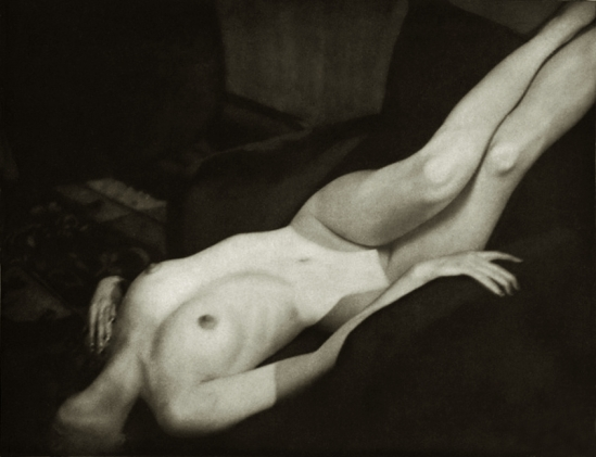 Alfred Cheney Johnston - Model tilly Losch, from Enchanting Beauty, 1937p 10
