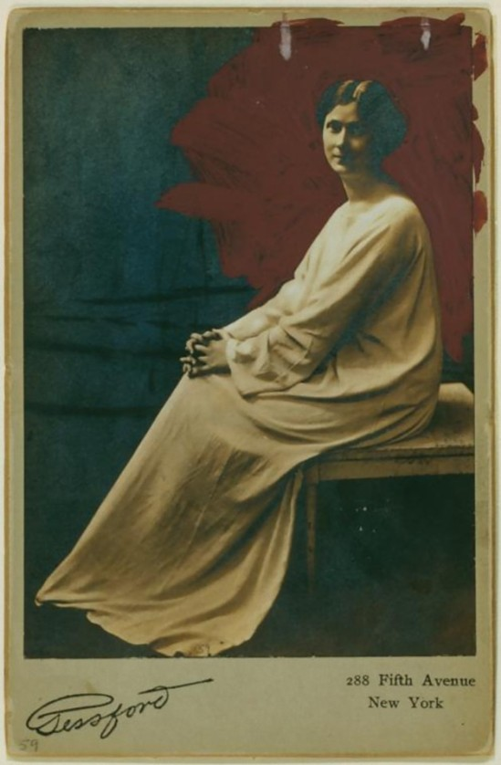 Duncan, Isadora - cabinet photograph by Gessford.  [Irma Duncan Collection.] (1908)