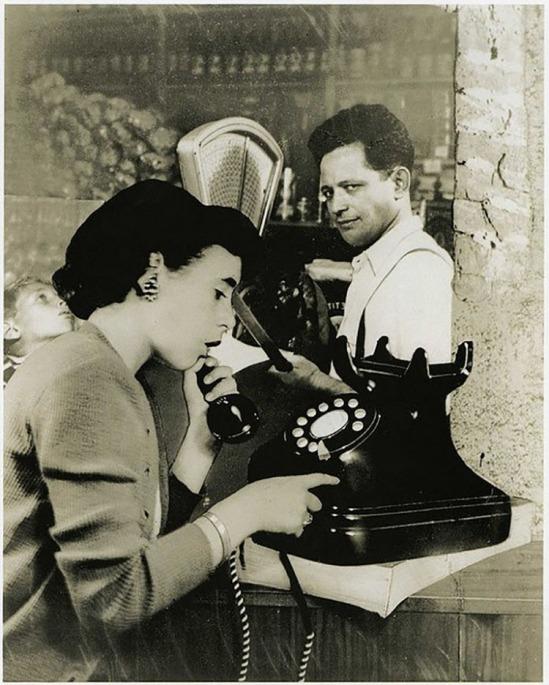 Grete Stern- Sueños Nº 41, The Phone Call, 1951