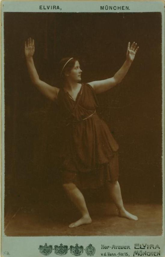 Hof-Atelier Elvira, München- Isadora Duncan,1904 Irma Duncan Collection
