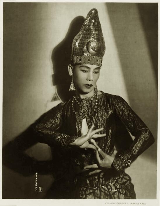 Iwata Nakayama- Portrait , The dancer, Komori Toshi), 1927