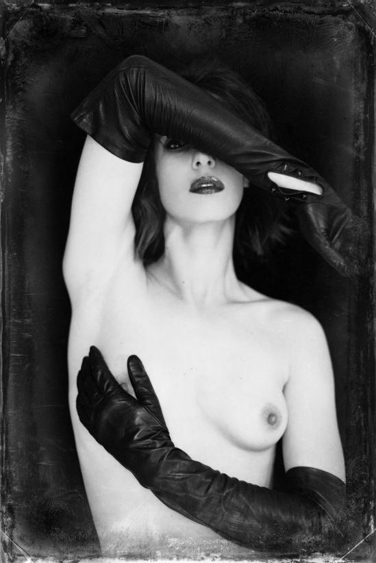 Malika Mokadem- Leather gloves 3 2013