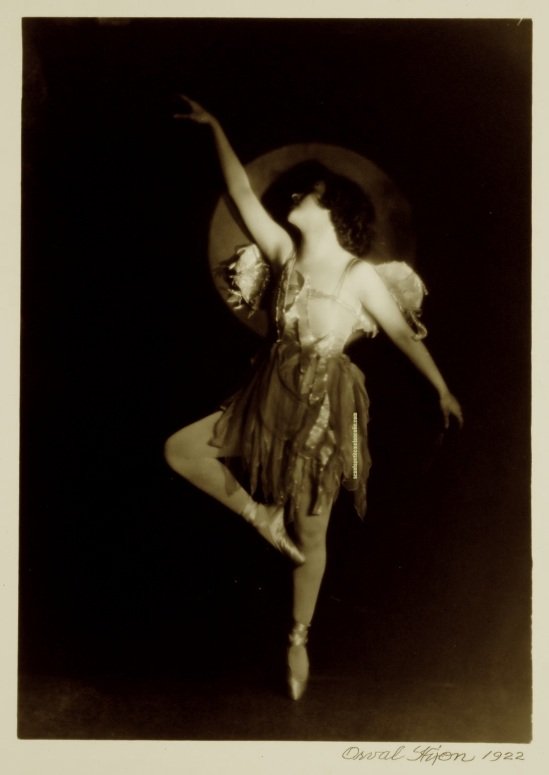 Orval  Hixon-Flying Alcova    , 1920