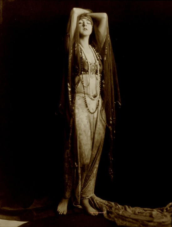 Orval Hixon (Hixon-Connelly studio) - Ruth, St Denis, 1918