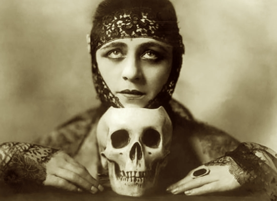Orval Hixon- The silent actress  Valeska Suratt (one of the firts vamp with Theda bara ) , 1916
