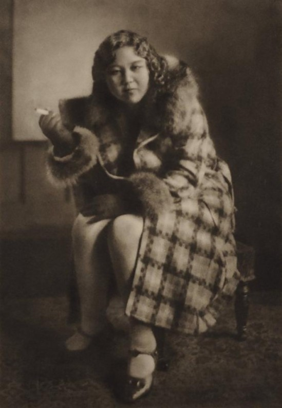 Yasuzo Nojima- Femme assise fumant, 1931