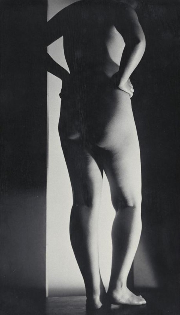 Yasuzo Nozima-Femme nue de dos, 1932 gelatin silver print