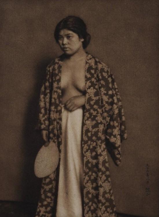 Yasuzo Nozima-Standing Woman , 1917gum bichromate