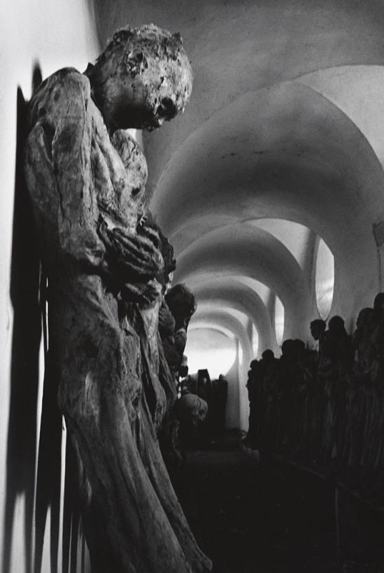 John Gutmann-Corridor of the Catacombs, Guanajuato, Mexico, 1960