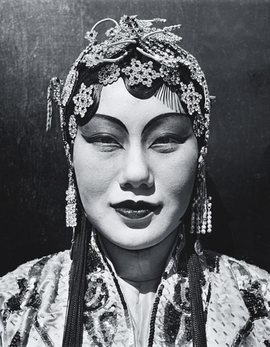 John Gutmann-Portrait of a Chinese Opera Actor in Female Roles, 1939